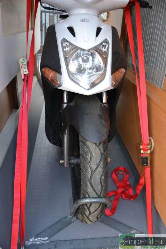 Staffa portamoto per garage in fai da te  Camper Life