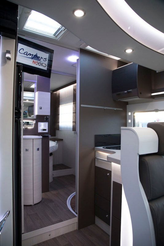 Chausson 728 entree campers noord