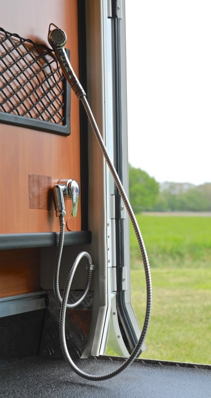 Hymer T 588 SL tramp buitendouche campers noord