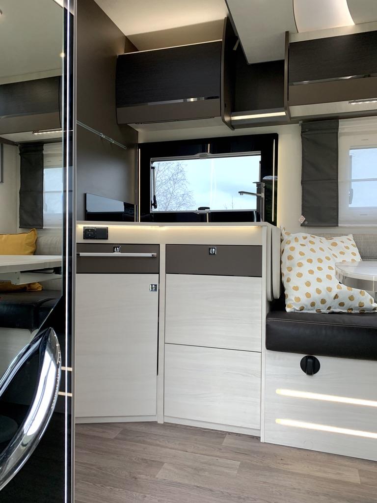 Entree keuken Chausson 768 premium vip campers noord