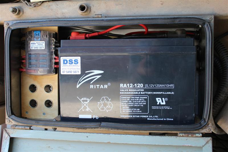 redarc bcdc charger wiring diagram 1992 ford f150 rob installs a bcdc1225 lefthand battery box completed