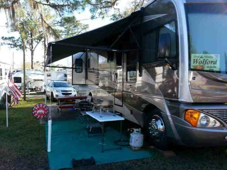 Camp Inn RV Resort in Frostproof Florida3