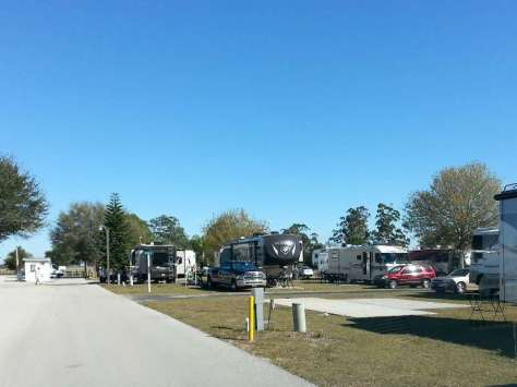 M RV Resort in Moore Haven Florida4