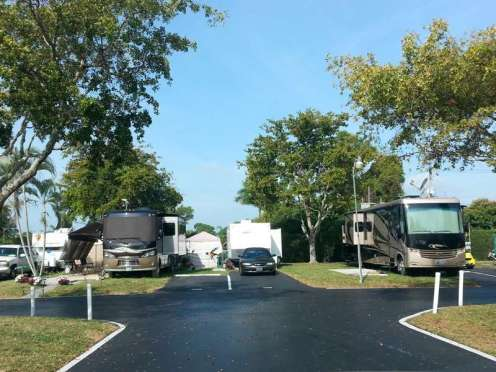 Palm Beach Traveler RV Park in Lake Worth Florida (Lantana)3