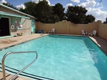 Rancheros pool