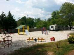 Rutledge Lake RV Resort in Fletcher North Carolina08