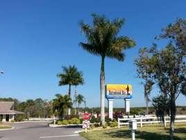 Sun RV Resorts Buttonwood Bay RV Resort in Sebring Florida2