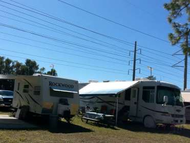 Swan Lake Village & RV Resort in Fort Myers Florida3