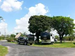Twin Lakes Travel Park in Fort Lauderdale (Davie) Florida4