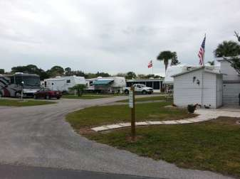 Winter Quarters Manatee RV Resort in Bradenton Florida2