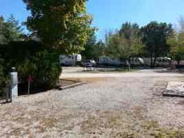 Acorn Acres RV Park & Villas in Branson (Reeds Spring) Missouri pull thru