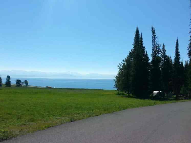 bridge-bay-campground-yellowstone-national-park-overlooking-lake