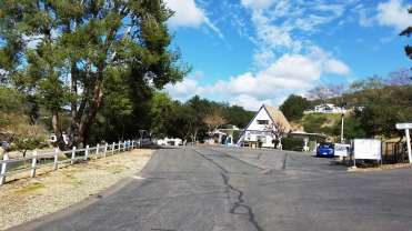 champagne-lakes-rv-resort-escondido-ca-09