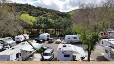 champagne-lakes-rv-resort-escondido-ca-17