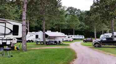 country-roads-rv-park-wisconsin-dells-3