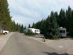 fishing-bridge-rv-park-yellowstone-national-park-09
