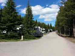 fishing-bridge-rv-park-yellowstone-national-park-roadway
