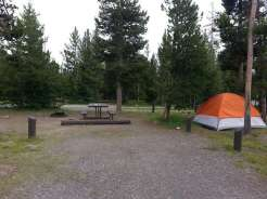 indian-creek-campground-yellowstone-national-park-tent