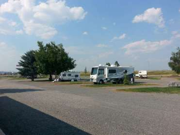 indian-creek-rv-campground-deer-lodge-pullthru3