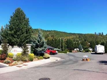 jacks-landing-rv-resort-grants-pass-or-02
