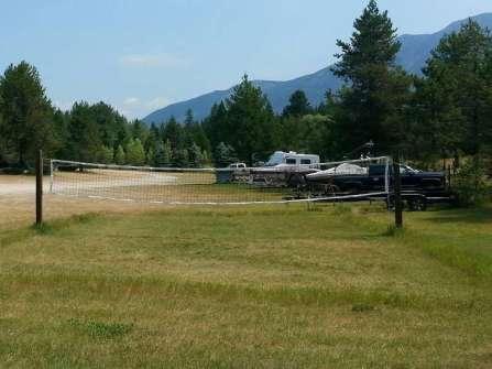 lake-five-resort-west-glacier-montana-volleyball