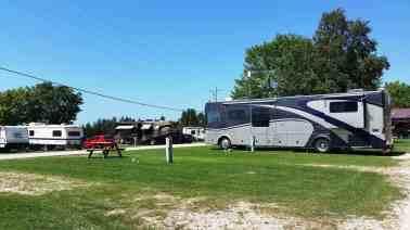 lakeshore-rv-park-campground-st-ignace-mi-07