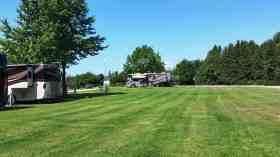 lakeshore-rv-park-campground-st-ignace-mi-19