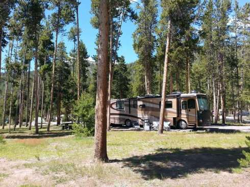 madison-campground-yellowstone-national-park-large-rv