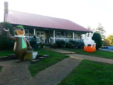 Nashville's Yogi Bear Jellystone Park in Nashville Tennessee Front Office