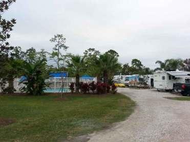 Orlando SE Lake Whippoorwill KOA in Orlando Florida Entrance