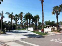 outdoor-resort-cathedral-city-12