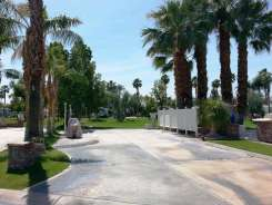 outdoor-resort-cathedral-city-13