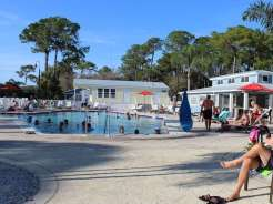 ramblers-rest-resort-venice-florida-pool
