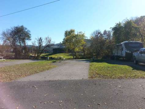 Riverbend Campground in Pigeon Forge Tennessee Backin