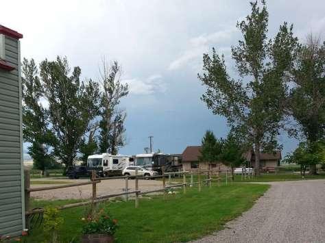 riverside-motel-rv-park-ennis-montana-road
