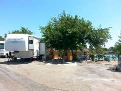 santee-lakes-campground-11
