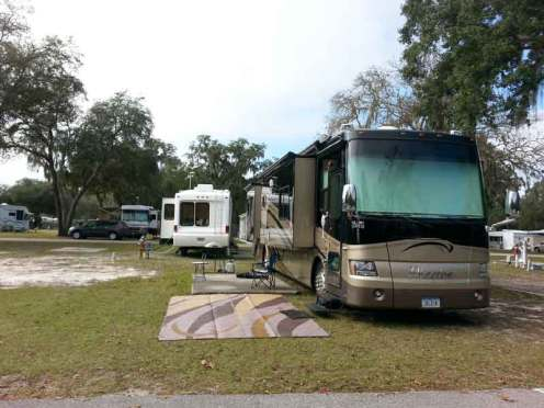 southern-aire-rv-resort-thonotosassa-florida-backin