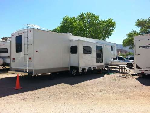 space-station-rv-park-beatty-nv-05