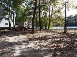 Taneycomo Market & Campground in Rockaway Beach Missouri Backin Water