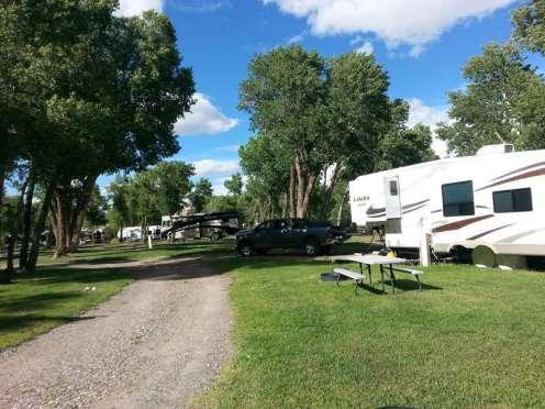 the-longhorn-ranch-rv-park-grass-patio