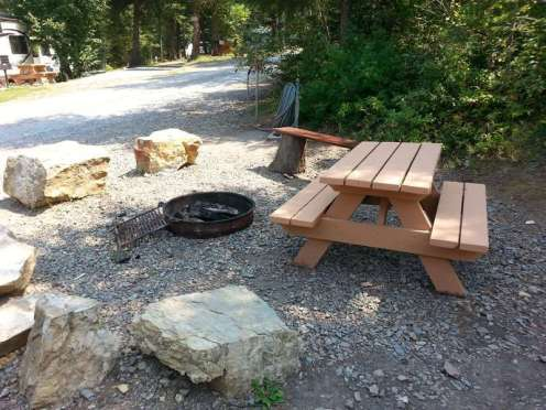 timber-wolf-resort-hungry-horse-montana-community-firepit