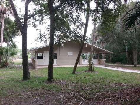 Tomoka State Park Campground in Ormond Beach Florida Restroom