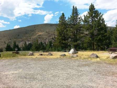 tower-fall-campground-yellowstone-national-park-17
