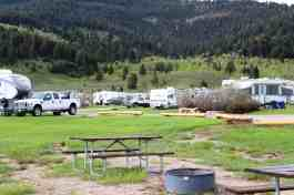 yellowstone-holiday-rv-campground-montana-05