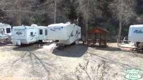7 Pines Cabins & RV Park