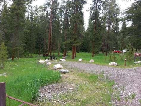 lake-creek-campground-cody-wyoming-site