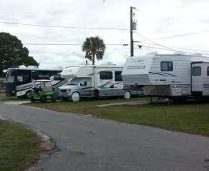 Lone Oak RV Park in Palmetto Florida