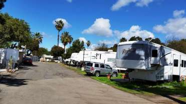 melrose-trailer-park-vista-ca-2