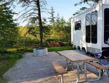 manistique-lakeshore-campground-01