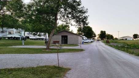 winterset-city-campground-iowa-22